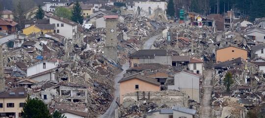 Perché sono arrivate così poche domande di fondi per la ricostruzione dopo il sisma?