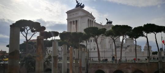 incidenti stradali bus turistico Roma