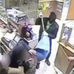 Presa la banda che rapinava i negozi con una mazzuola da cava. Le immagini