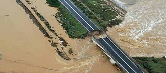 Una donna è morta e un pastore è disperso dopo la bomba d'acqua in Sardegna