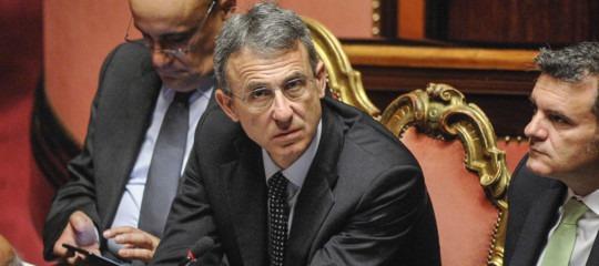 Il ministro Costa ha cambiato idea o no sui prestiti europei per il dissesto idrogeologico?