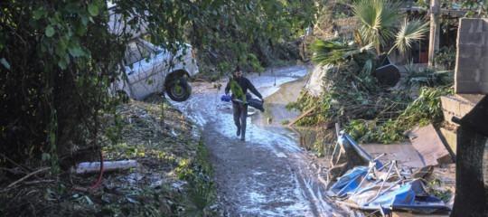 Maltempo: Sicilia in ginocchio, 10 morti a Palermo (anche un disperso)