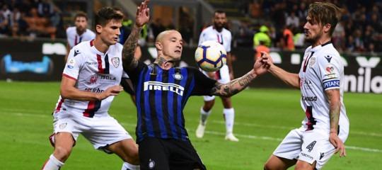 Calcio: ancora una vittoria per l'Inter, 2-0 sul Cagliari