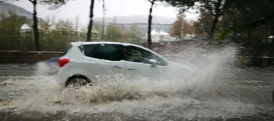 maltempo nubifragio roma sicilia pioggia temporale