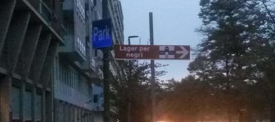 Torino cartello Lager per negri