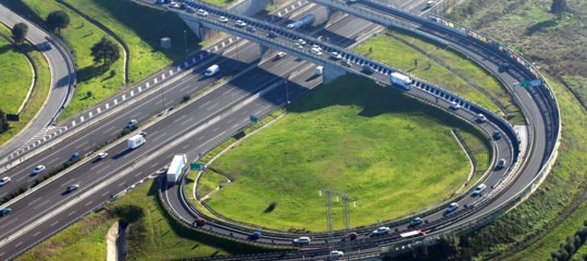 Ponti e viadotti saranno monitorati dagli automobilisti conun'appsul telefonino