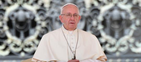 Papa: un appello agli scienziati per favorire il disarmo nucleare