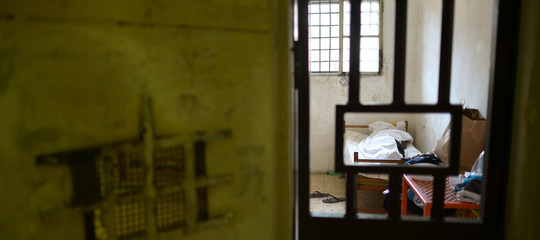 Nel 2018 sono aumentati i suicidi nelle carceri italiane. Un rapporto