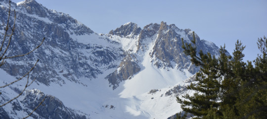Per la bimba morta sugli sci la Procura di Torino indaga 4 persone