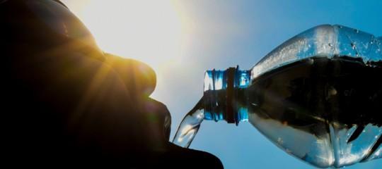 come combattere disidratazione caldo
