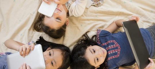 smartphone cellulare bambini eta consigli